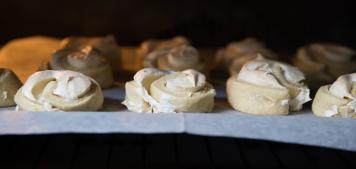 מתכונים לראש השנה: עוגיות שושנים של הבייקרי