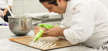 מאחורי הקלעים: הקינוחים של השף פטיסייר ג'אנלוקה פוסטו