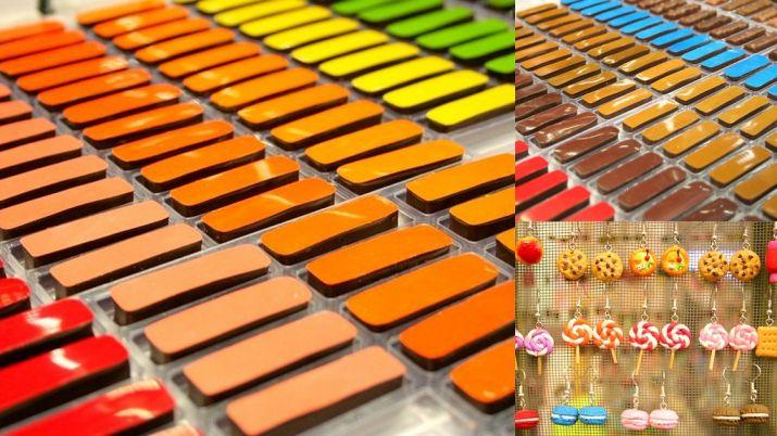 שוקולדים של אאוקי לצד תכשיטים דמויי קינוחים בסלון השוקולד של פריז. צילום: שרון היינריך