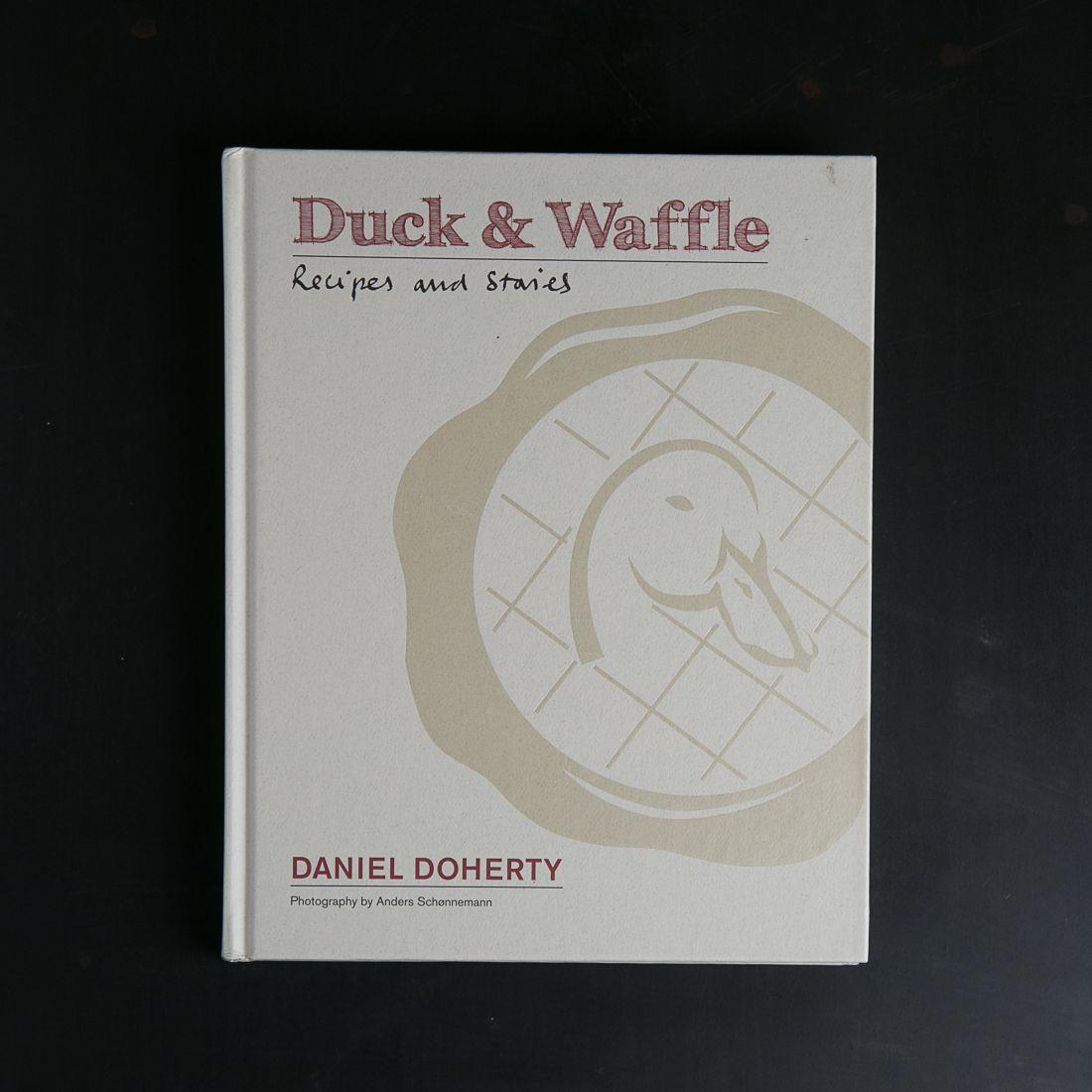 הספר Duck & Waffle של דניאל דוהרטי