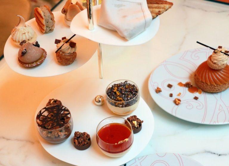 קינוחים של שף הפטיסרי המפורסם כריסטוף מישאלק, בגאלרי של פלאזה אתנה בפריז