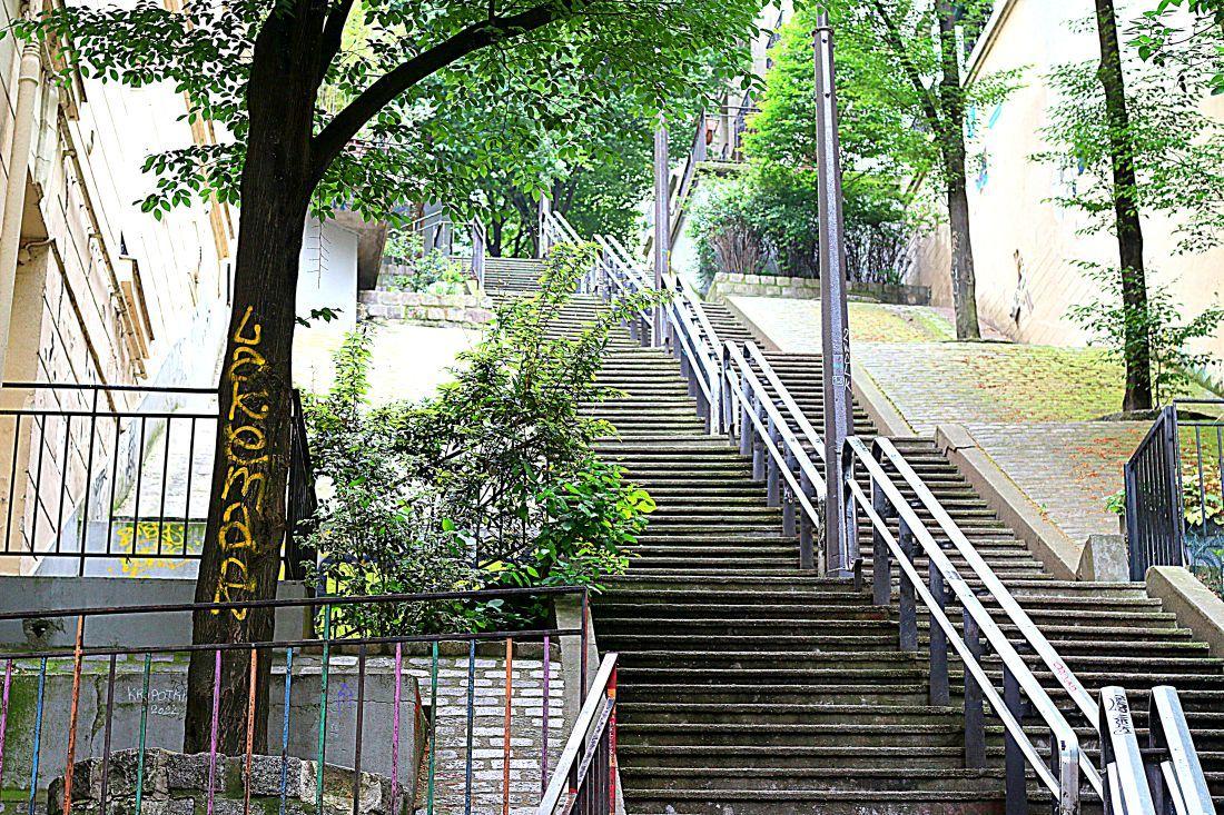 גרמי המדרגות הבלתי נגמרים של מונמרטר