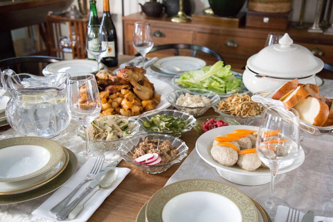 ארוחת שישי יהודית מהדליקטסן עד הבית בקליק אחד