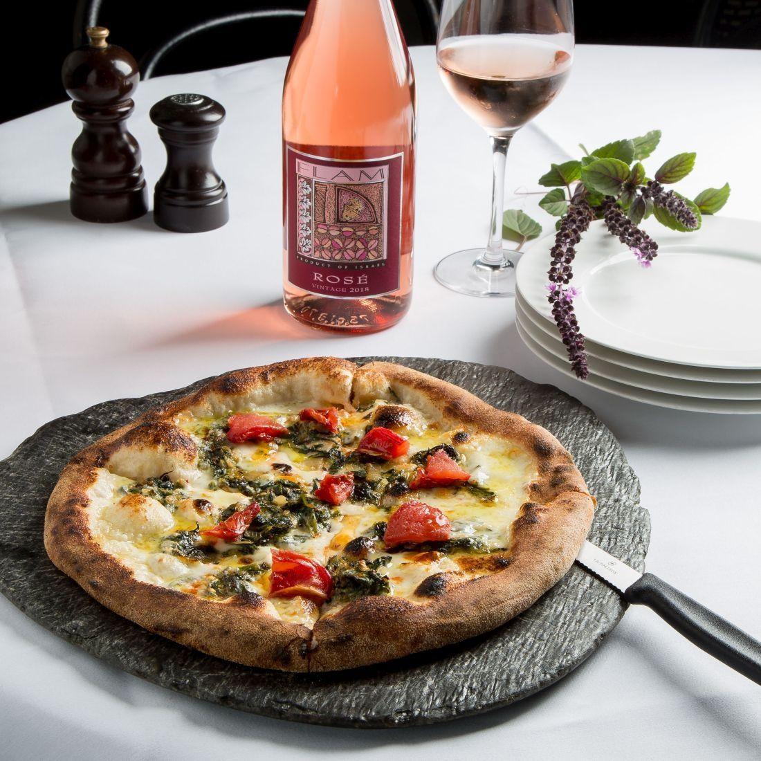 השילוב המנצח בין פיצה ביאנקה לפלם רוזה