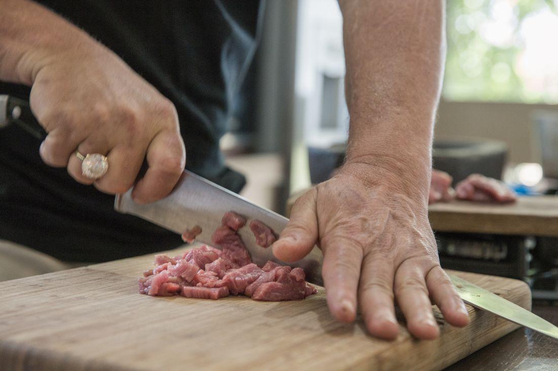 בשר עז נקצץ ונכתש לקובנייה עזת טעמים