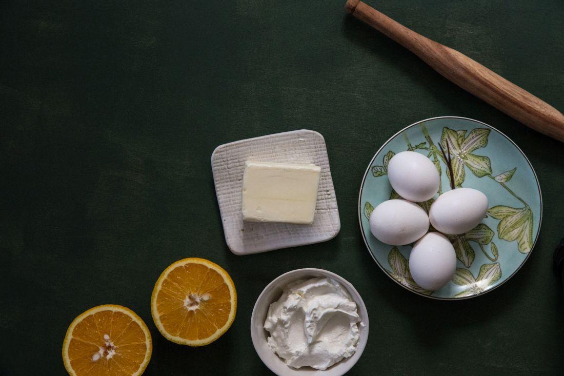 . צילום: טל סיון-צפורין עוגיות שושנים של הבייקרי. המצרכים