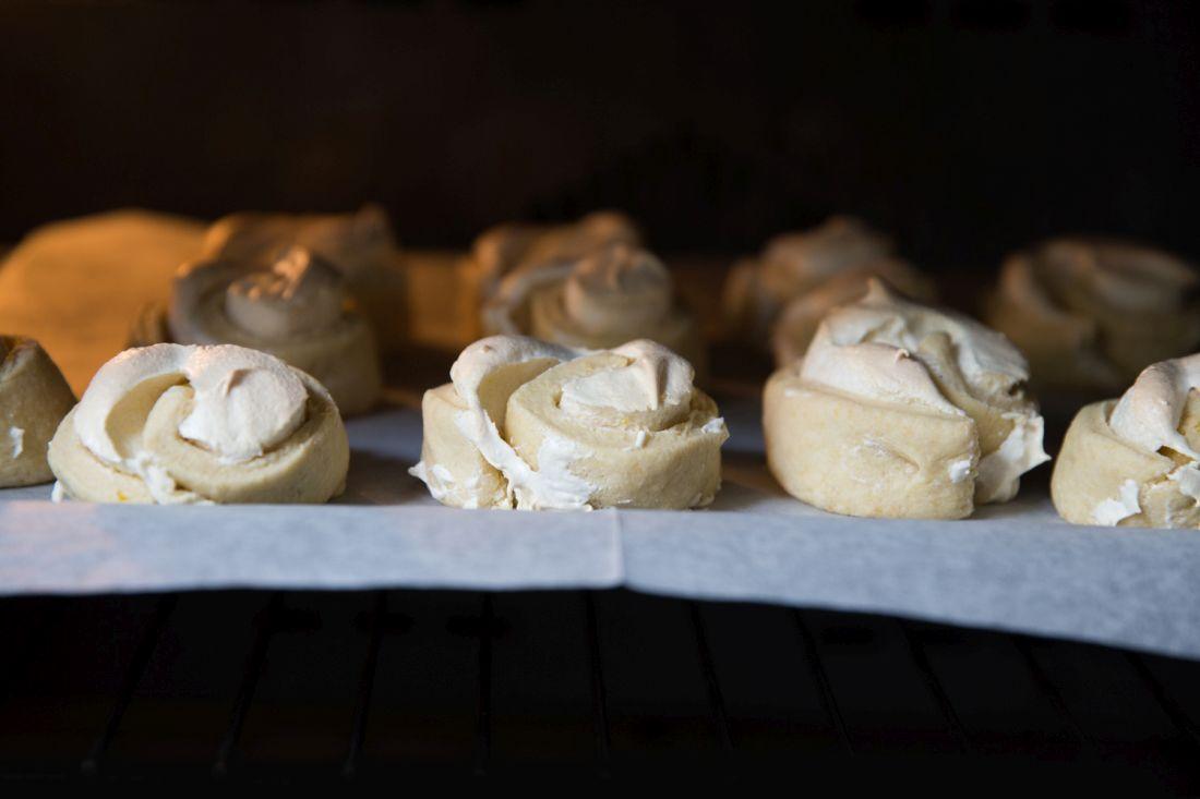 עוגיות שושונים של הבייקרי לראש השנה. צילום: טל סיון-צפורין