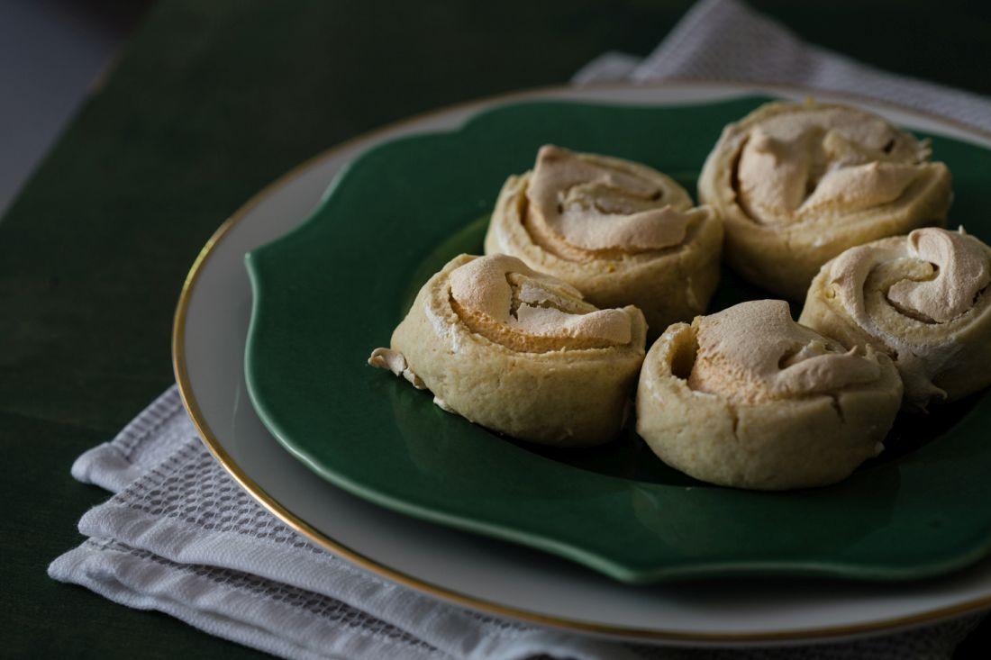 עוגיות שושנים. נהדרות עם תה/קפה או לקינוח ארוחה מושחתת. צילום: טל סיון-צפורין