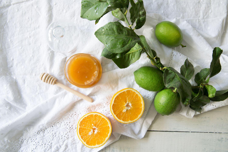 לימון, תפוזים ודבש - מהמצרכים לעוגת הדבש לימון של הבייקרי