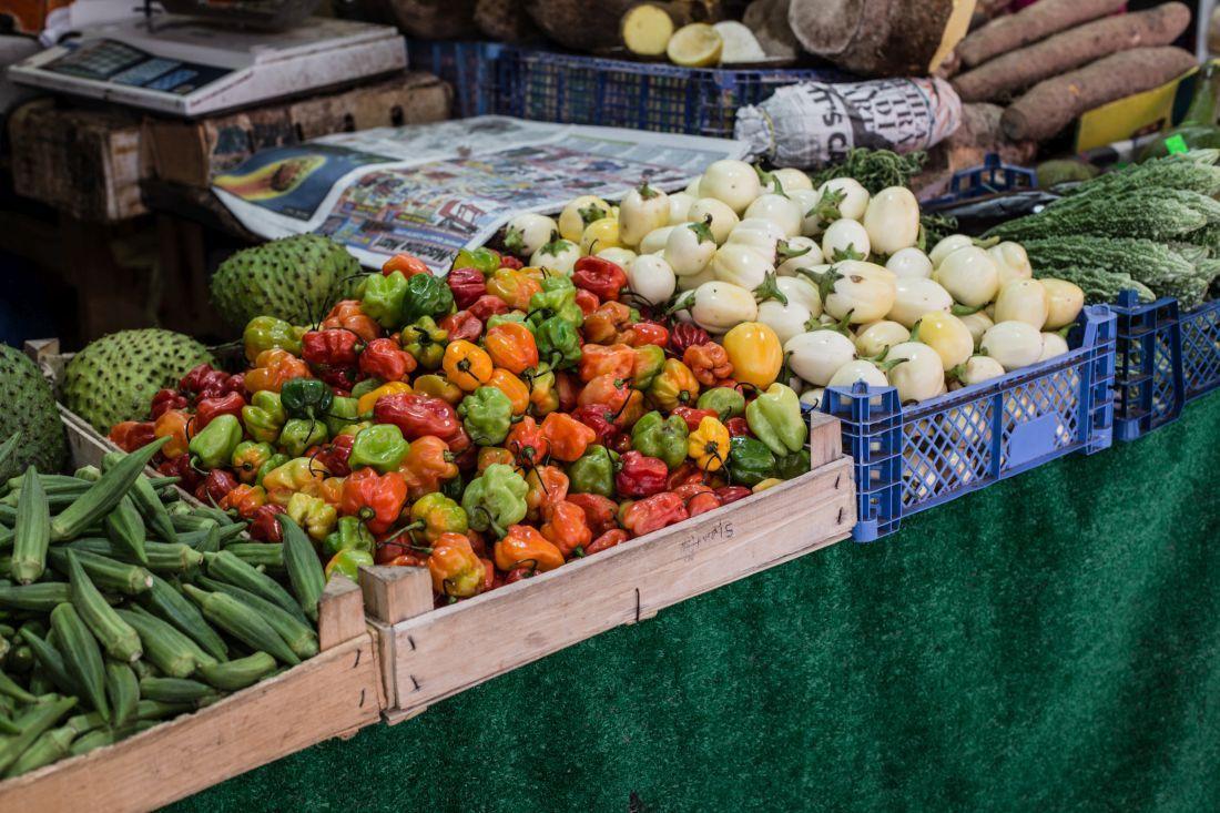 דוכני ירקות ב-Brixton Market