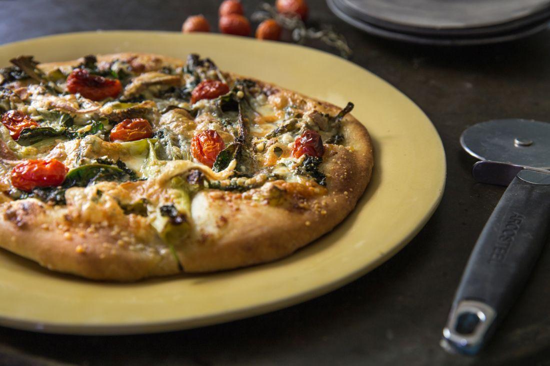 פיצה טאלג'יו, ירק בר, עגבניות מיובשות ורג'יאנו