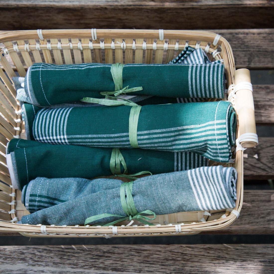 מגבות מטבח של הדליקטסן - אפשר להשתמש כפלייסמנטים או כמפיות בד אישיות