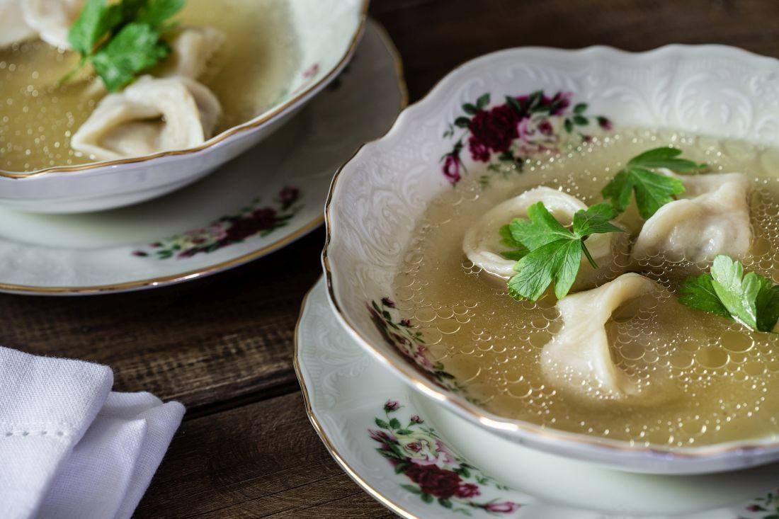 מחממים את הקרפלך ומגישים עם מרק עוף או בשר