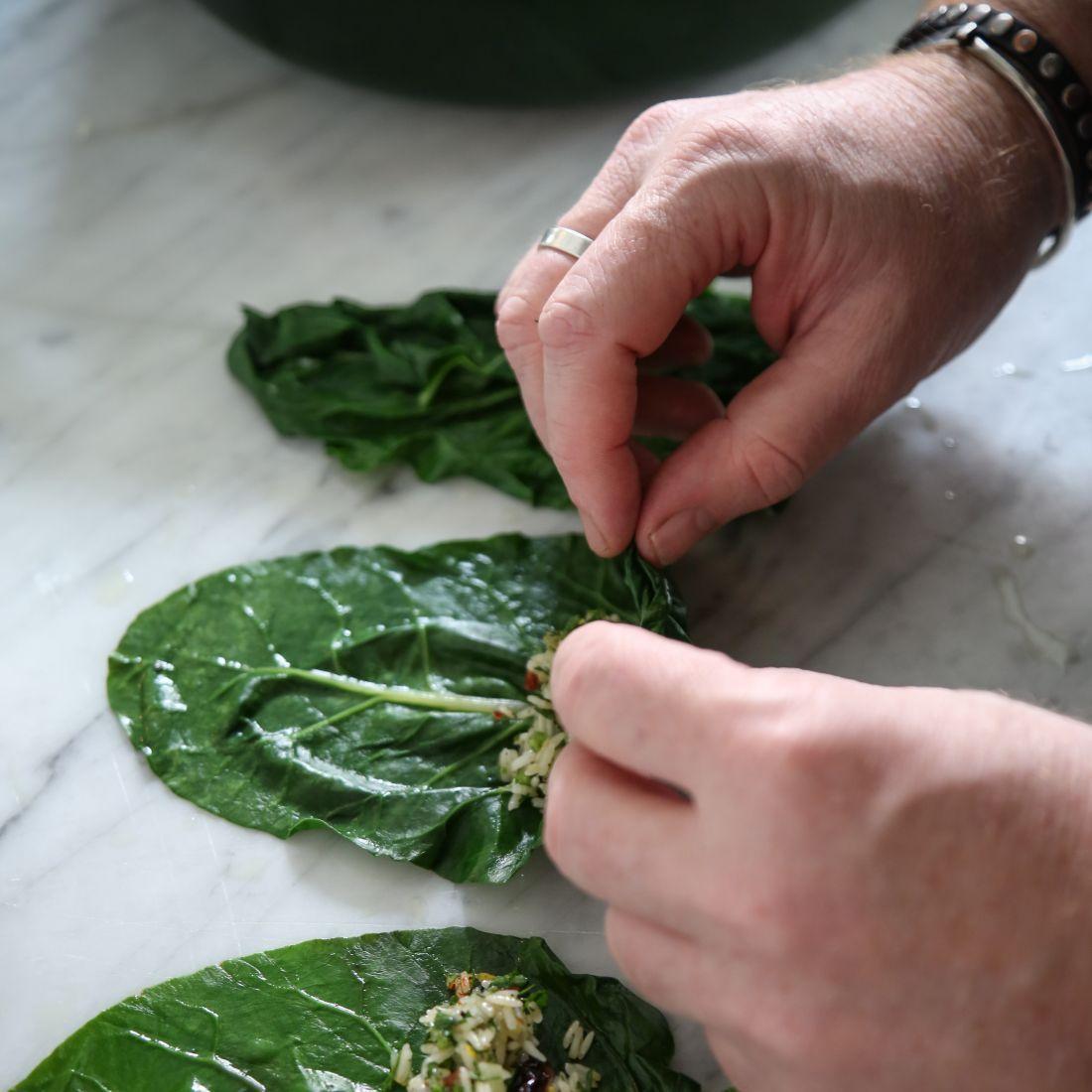 מתכון טבעוני לפסח: עלי מנגולד ממולאים